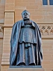 archbishop-kelly-statue