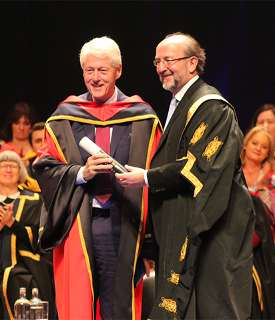 bill-clinton-receives-honorary-doctorate-dcu
