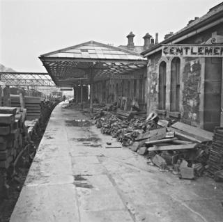 clones-train-station-11-22-1960