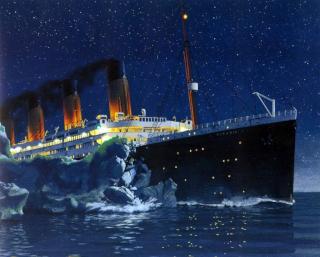 titanic-strikes-iceberg