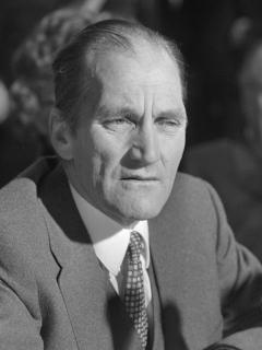 File source: http://commons.wikimedia.org/wiki/File:Tiede_Herrema_(1975).jpg