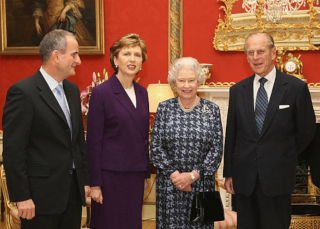 mcaleese-and-queen-elizabeth