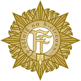irish-national-army-cap-badge