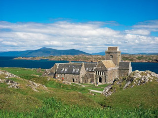 iona-abbey-isle-of-iona